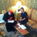 Rencontre avec le Cardinal Burke: entretien et soutien à Femina Europa